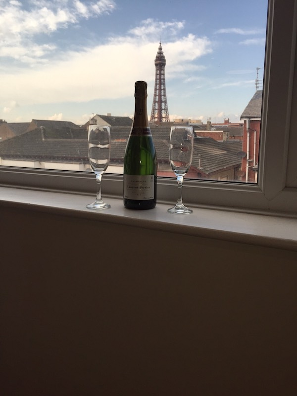 Penthouse Apartment, Champagne in Blackpool